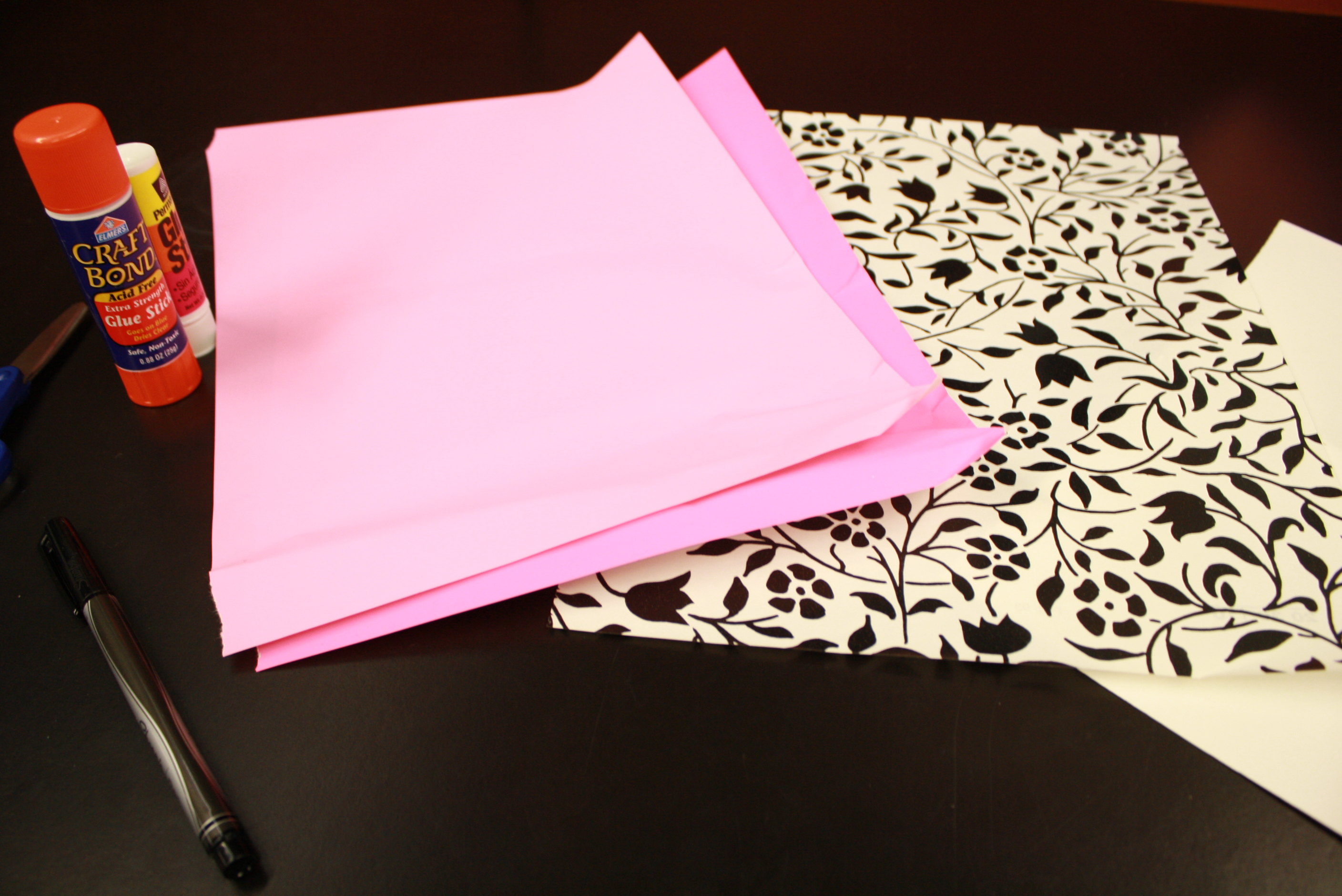 is wrapping paper recyclable The manager of solid waste and recycling services for the city of thunder bay is reminding people that christmas wrapping paper can not be recycled.